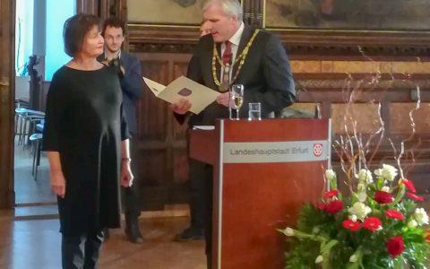 Thüringer Ehrenbrief und Ehrennadel für Dr. med. Ursula Winker